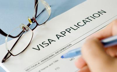 外国人雇用で把握しておきたい手続きの留意点
