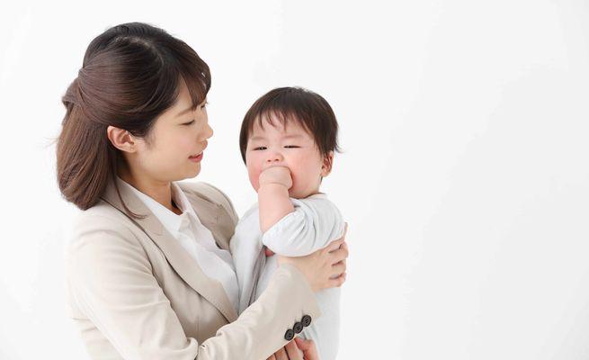 育てと仕事を両立したい働くママをサポートする社内制度3選