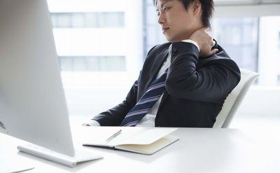 【兆候1】「仕事に消極的」「会議での発言が少ない」