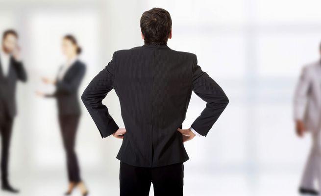 上司に退職の相談をするかもしれない部下の兆候3つ